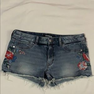 EXPRESS EMBROIDER SHORT